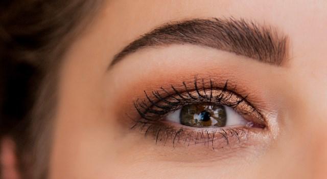 איפור מתאים לעיניים
